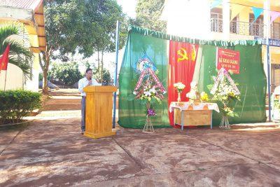 Đại biểu Nguyễn Mẹo về dự khai giảng năm học mới tại trường TH Phan Đăng Lưu